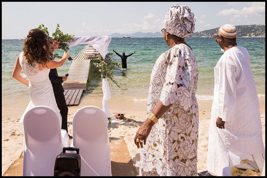 Mariage sur la French Riviera.