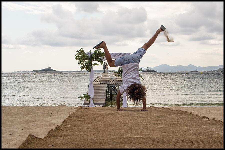 Mariage à la plage sur la French Riviera à Hotel AC Ambassadeur Marriott